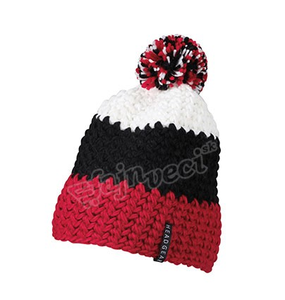 crocheted-cap-with-pompon