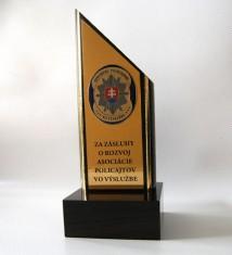 Trofej stojan 23x9x9cm APVV